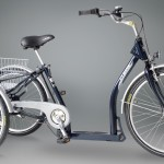 Dreirad in dunkelblau
